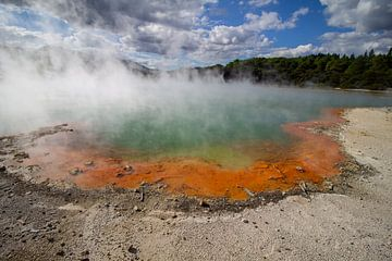 Wai-o-Tapu thermo bad met aard verwarmd water van Marco Leeggangers