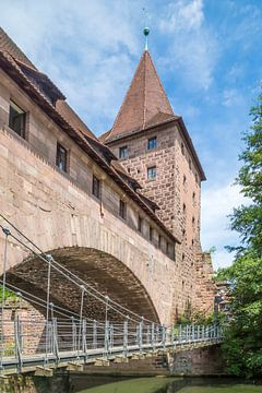 NUREMBERG Chained Suspension Bridge van