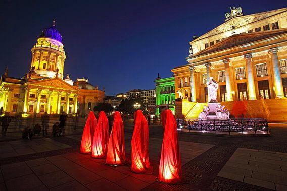 Vijf beelden op de Berlijnse Gendarmenmarkt