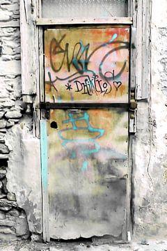 ONE DOOR AT PLAKA-ATHENS van