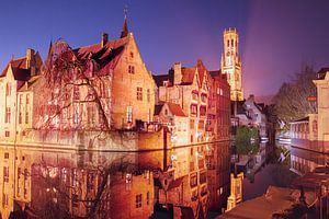 Der Rozenhoedkaai bei Nacht: Der berühmteste Platz von Brügge