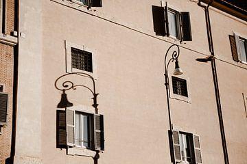 Römische Fensterläden von Isis Sturtewagen
