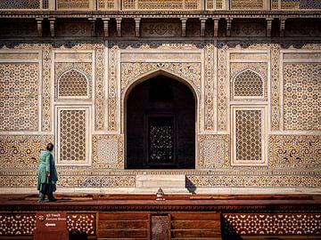 Die Fassade des Baby-Taj Mahal in Agra Indien von Rik Pijnenburg