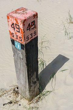 Paal 49 Strand Ameland van Walter Frisart