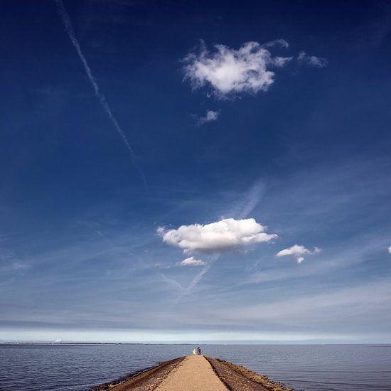 Aan het eind van de pier bij Paesens Moddergat op een mooie zomerdag
