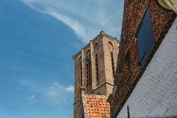 Kerktoren van de  Grote of Sint-Nicolaaskerk in Elburg van Van Kelly's Hand