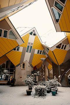 Würfelhäuser im Schnee