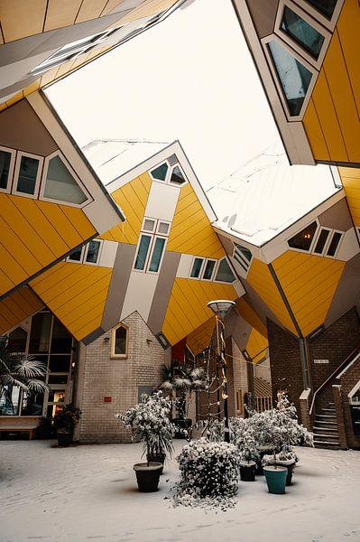 Würfelhäuser im Schnee von Paul Poot