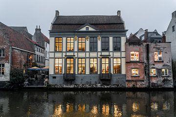 Gebäude an der Leie in Gent von Mickéle Godderis
