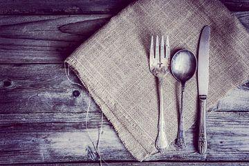 Nature morte rustique de couverts en argent 11399334 sur BeeldigBeeld Food & Lifestyle