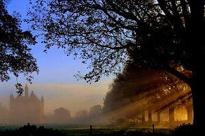 Zonsopkomst op een mistige ochtend bij Kasteel Doornenburg / Sunset on a misty morning at Kasteel Do