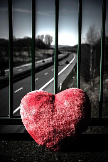 een hart raakt van de weg