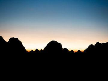 Coucher de soleil dans les montagnes du Karst sur Stijn Cleynhens