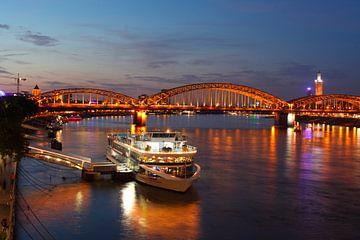 Keulen : Hohenzollenbrücke van Torsten Krüger