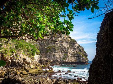 Ein felsiges Paradies auf Nusa Penida Indonesien von Rik Pijnenburg