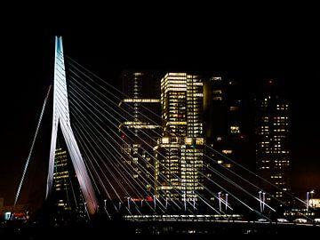 Rotterdam bij night van Mario de Lijser