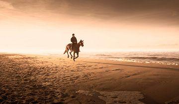 0120 Reiten am Strand von Adrien Hendrickx