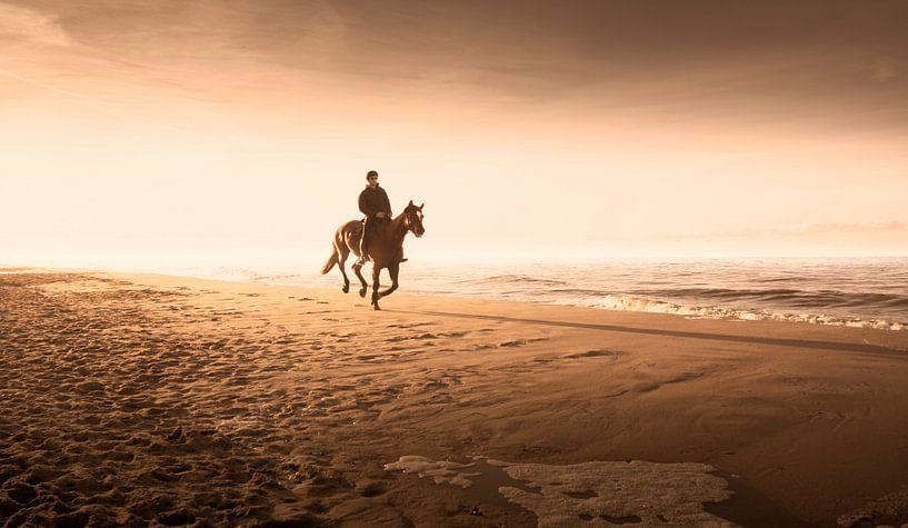 0120 Horse riding on the beach van Adrien Hendrickx