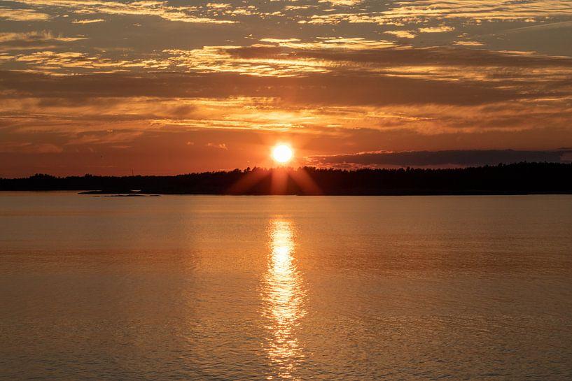 Zonsondergang in Nynäshamn, Zweden van Gertjan koster