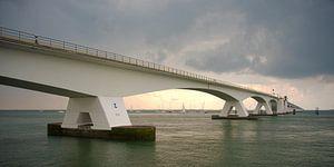 Seesandbrücke nach einem Regenschauer von Cathfish photography by Cathie Lefieuw