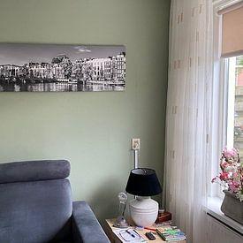 Klantfoto: Panorama Magere Brug en woonboten in Amsterdam / zwart-wit van Werner Dieterich, op canvas