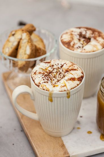 Warme chocolademelk met gezouten karamel van Nina van der Kleij