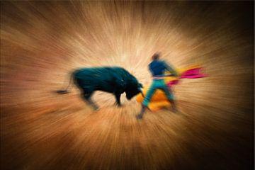 Abstracte meervoudige belichting met wazige stierengevechtstier en matador in Spanje van Dieter Walther