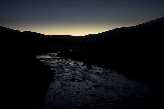 Meandering river in twilight  van Luis Fernando Valdés Villarreal Boullosa