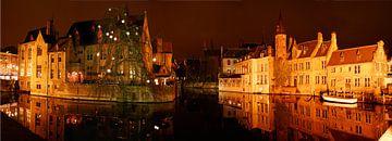 Brugge by night van Paul van der Lugt