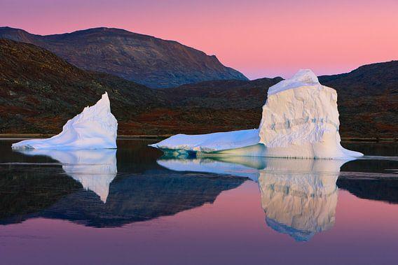 Sunrise in the Røde Fjord, Scoresbysund, Greenland
