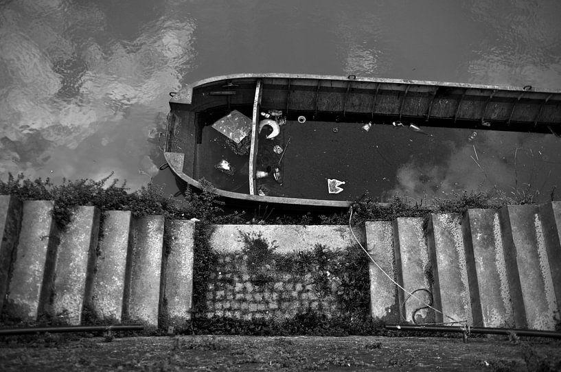 water in de boot van jan van de ven
