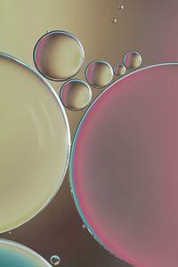 Druppels | olie op water van Marianne Twijnstra-Gerrits