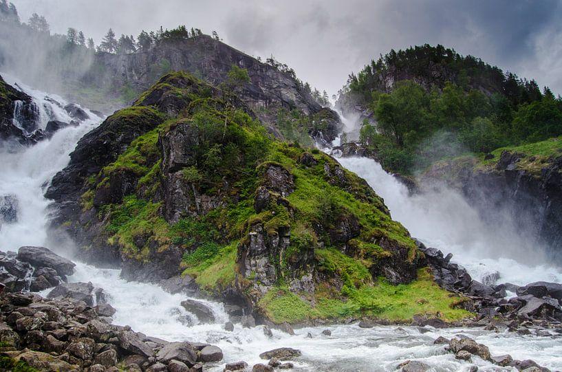 Låtefossen - Noorwegen van Ricardo Bouman   Fotografie