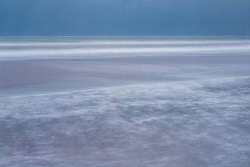 Strand en zee van Douwe Schut