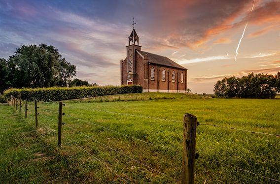 Kerkje van Homoet van Mario Visser