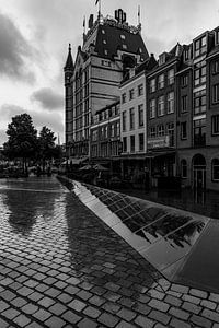 Witte Huis in Rotterdam in zwart-wit van