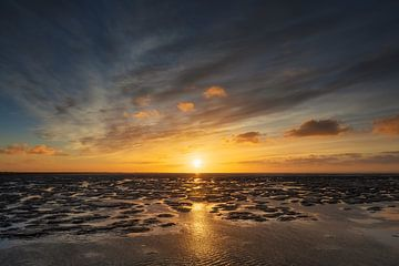 Das Wattenmeer bei Sonnenuntergang von Karla Leeftink