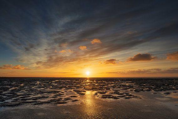 De Waddenzee bij zonsondergang