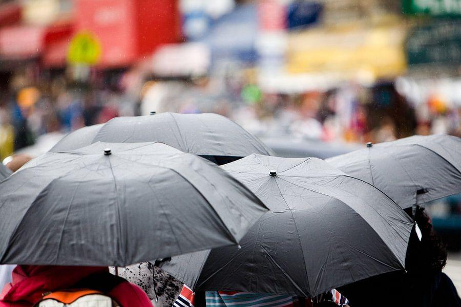 Regen in New York van Jean-Paul Wagemakers