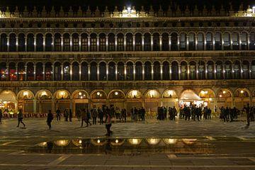 Piazza San Marco, Venetië van Michel van Kooten