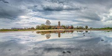 Zicht op het Friese dorpje Jorwerd van Harrie Muis