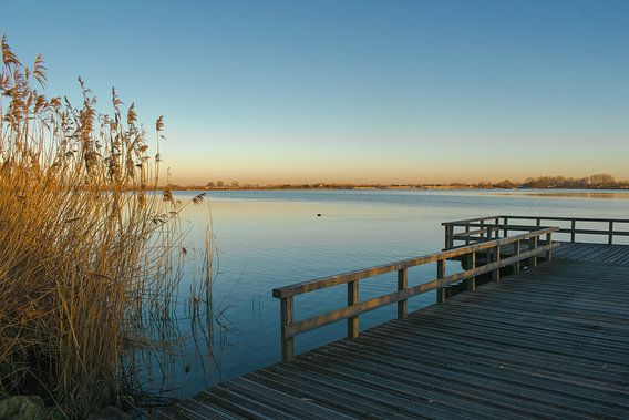 Zondagmorgen glorie bij het Valkenburgse meer van Loes Huijnen