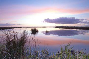 Zonsondergang over de Onlanden bij Matsloot (4) van Gerben van Dijk