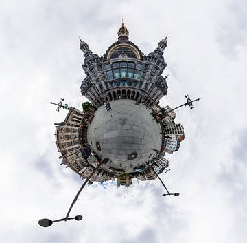 Planet Station Antwerpen Centraal van Frenk Volt