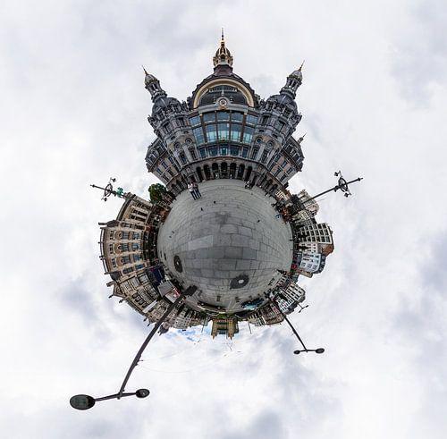 Planet Station Antwerpen Centraal von Frenk Volt