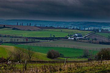 Eys, Zuid Limburg met uitzicht over de heuvels die je het gevoel van Toscane geven van Kim Willems
