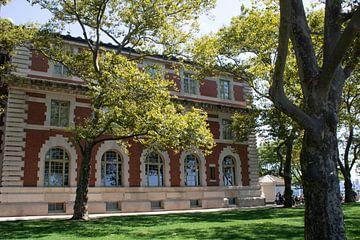 Ellis Island Immigration Museum in de haven van New York van Twentse Pracht