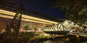 Gare suspendue de Wuppertal sur Frank Wächter