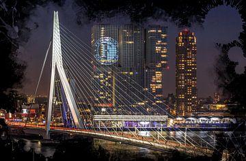 Le Pont Erasmus  à Rotterdam (Feyenoord Art Édition) sur MS Fotografie | Marc van der Stelt