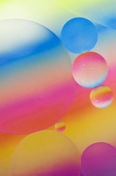 Zuurstokkleurige oliedruppels van Zilte C fotografie